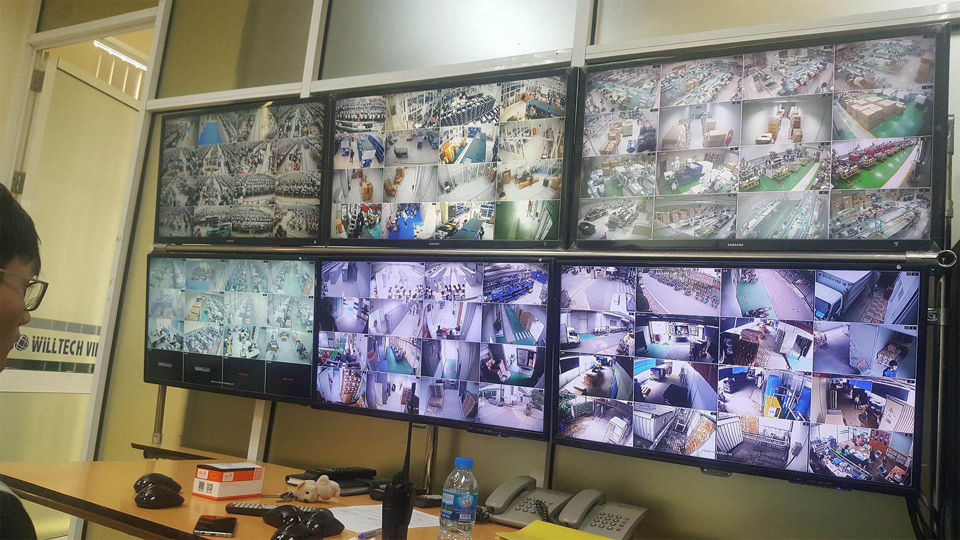 Hệ thống giám sát trung tâm với hệ thống màn hình hiển thị chất lượng và CHI TIẾT