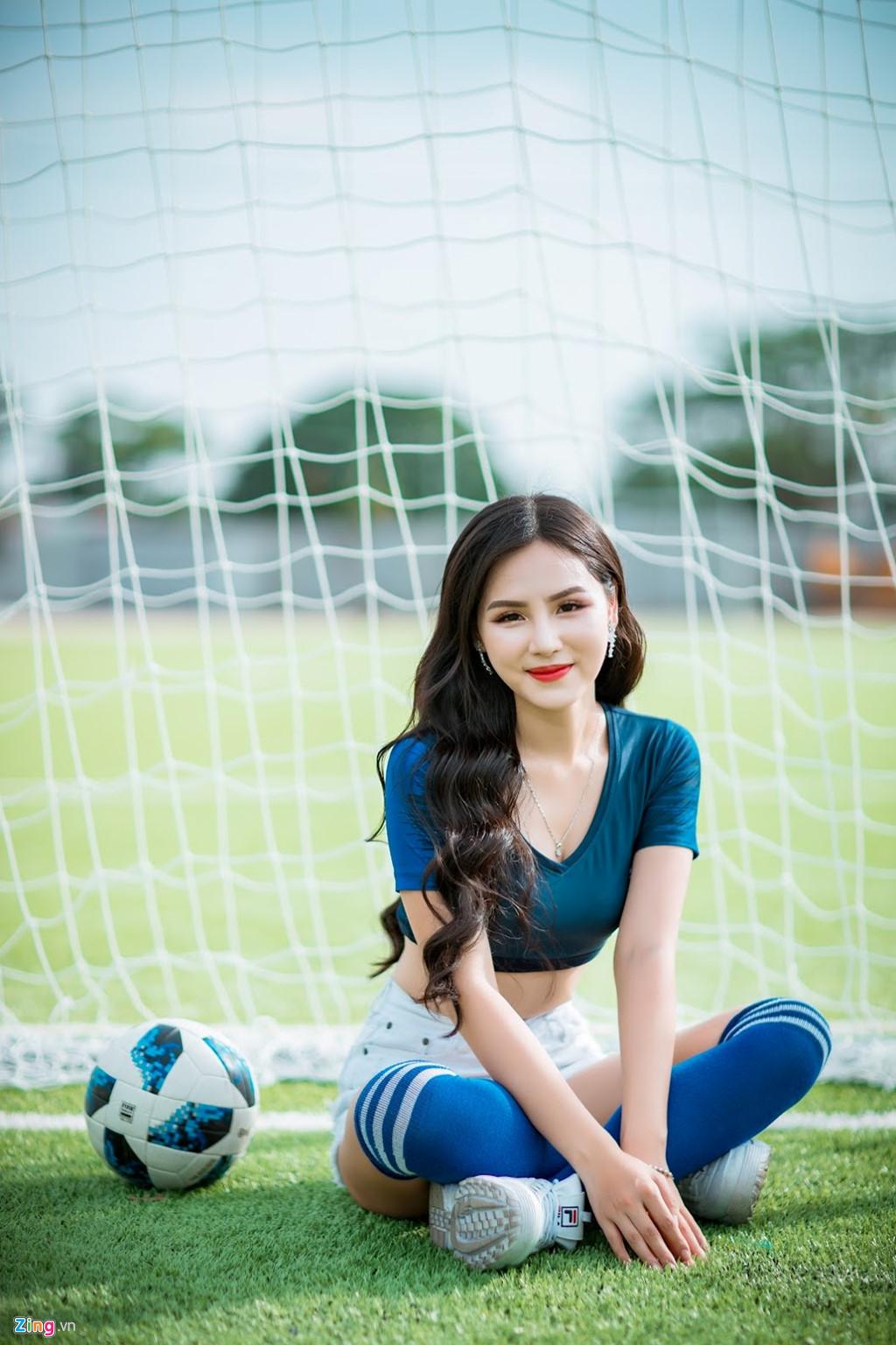 Hot girl xinh dep tren VTV co vu tuyen Phap, mo uoc lam phong vien anh hinh anh 4