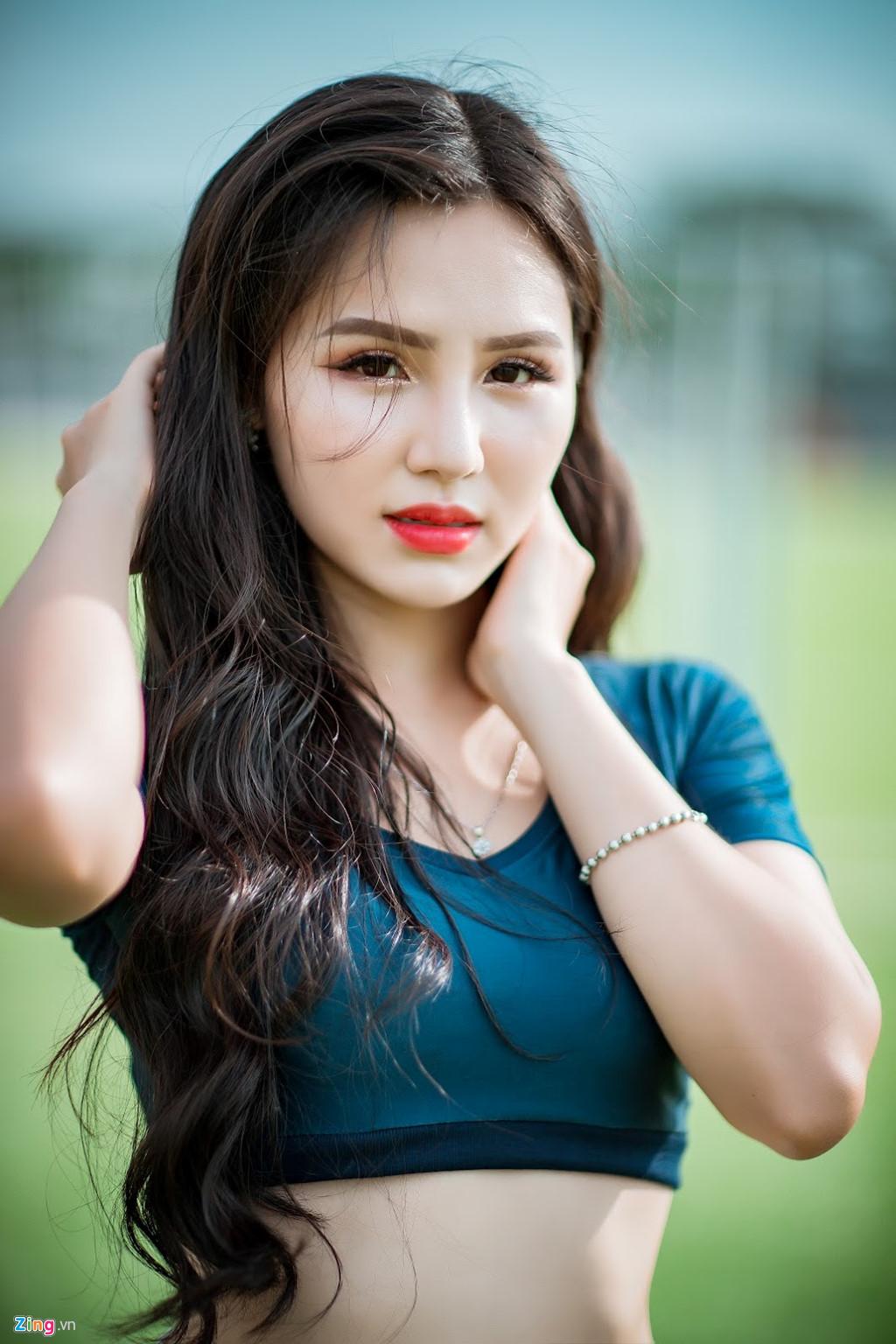 Hot girl xinh dep tren VTV co vu tuyen Phap, mo uoc lam phong vien anh hinh anh 6