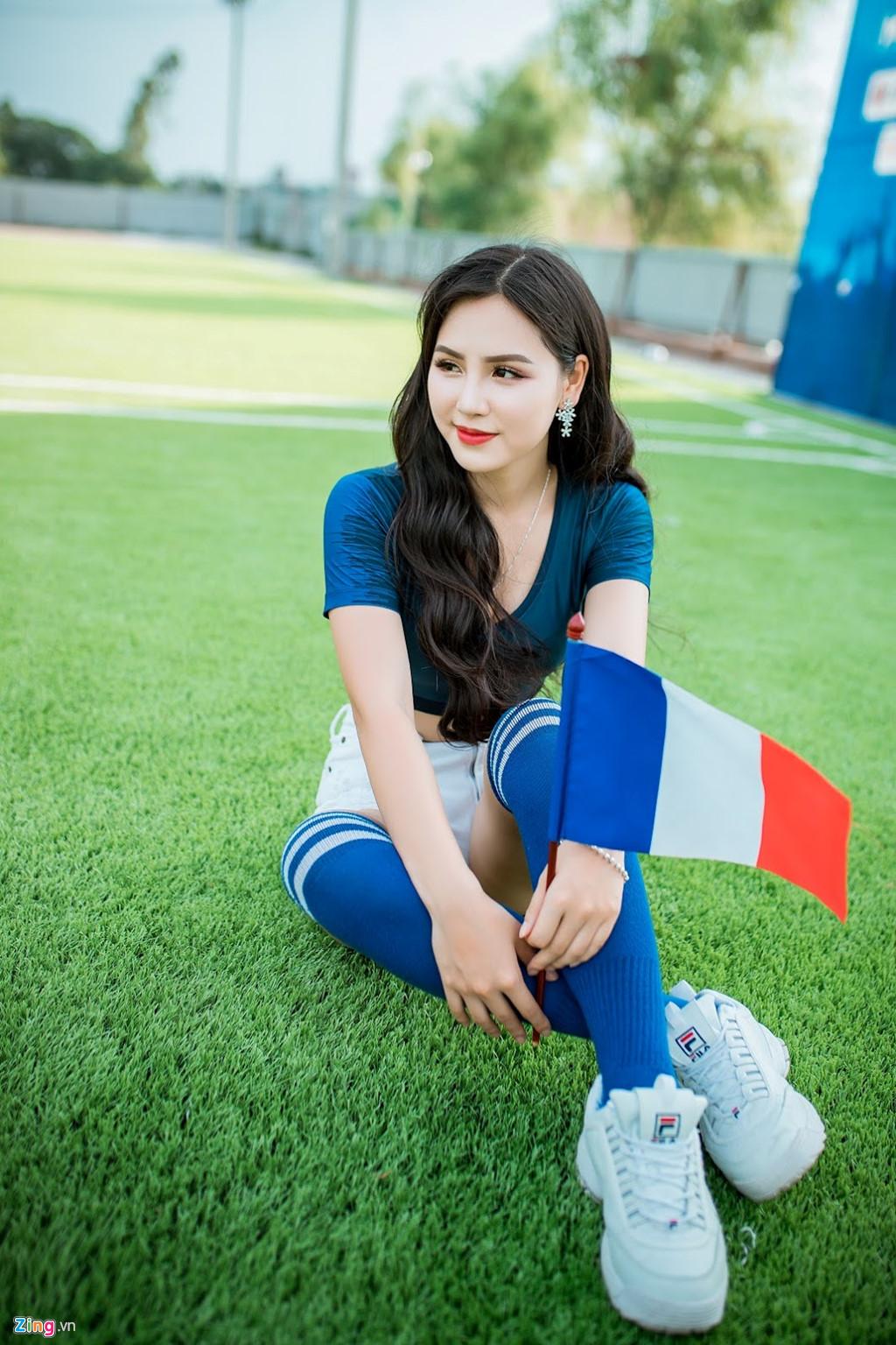 Hot girl xinh dep tren VTV co vu tuyen Phap, mo uoc lam phong vien anh hinh anh 7