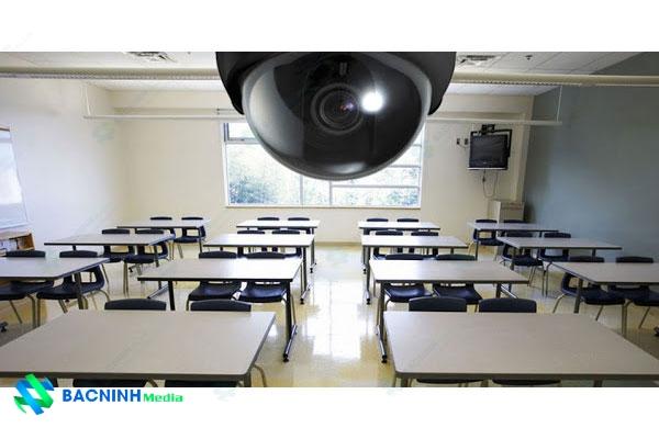 camera quan sát trong lớp học