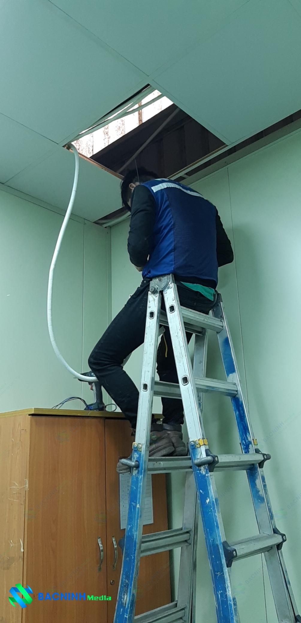Đồng phục nhân viên Bắc Ninh Media khi làm việc tại các công trường và các dự án thi công hệ thống mạng