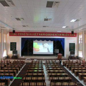 Máy chiếu phục vụ hội họp trình chiếu