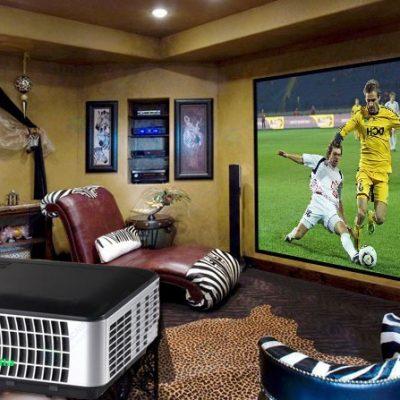 Thuê máy chiếu xem bóng đá tận hưởng phút giây vui vẻ