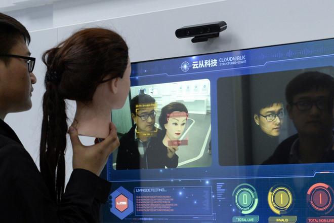 Camera nhận diện khuôn mặt giúp cảnh sát Trung Quốc bắt hơn 10.000 tội phạm - 1
