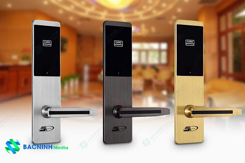 sử dụng khóa cửa điện từ