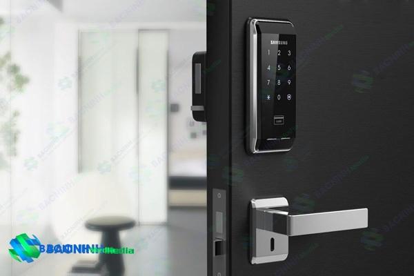 sử dụng khóa cửa từ chống trộm có an toàn