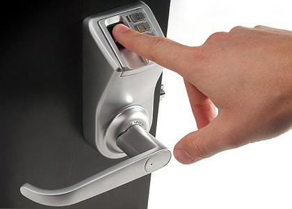 khóa cửa vân tay có tốt không