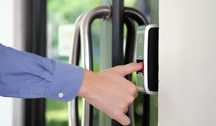 khóa cửa điện tử thông minh tốt