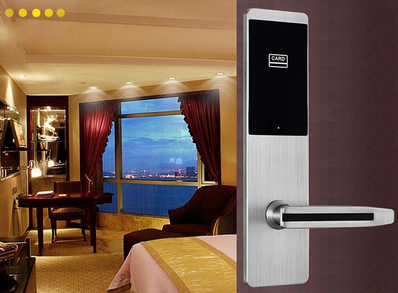 khóa thẻ từ khách sạn chống trộm