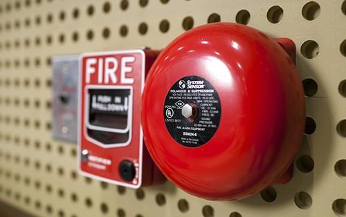 Chuông báo cháy tự động không kêu khi cháy nổ?
